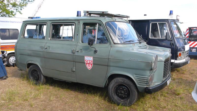 N°16- Berliet GLB R 19 Aérazur Car de commandement C.R.S Ford%20Transit%20CRS%20G