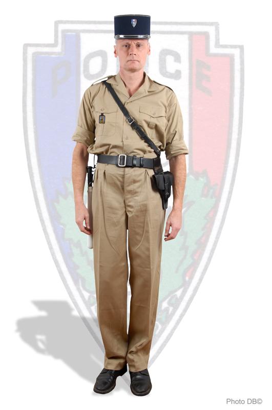 tenue été du gardien de la paix de la sûreté nationale de 1955